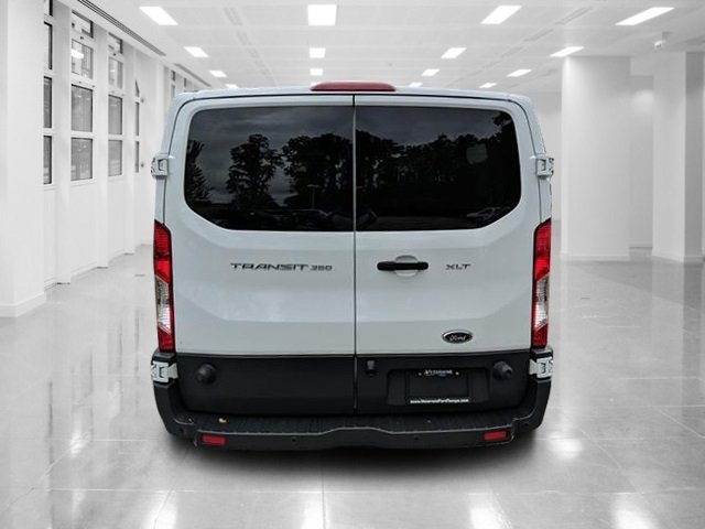 2017 Oxford White Ford Transit Wagon XLT 3 Door Regular Unleaded V-6 3.7 L/228 Engine Van Automatic RWD