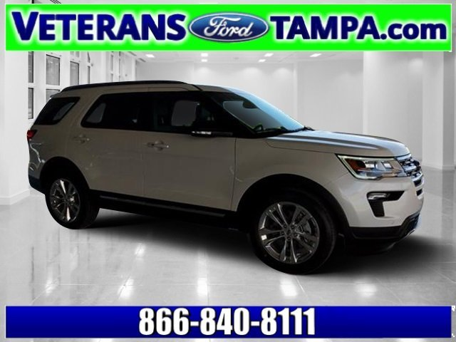 2018 White Platinum Metallic Tri-Coat Ford Explorer XLT FWD SUV 4 Door Regular Unleaded V-6 3.5 L/213 Engine Automatic