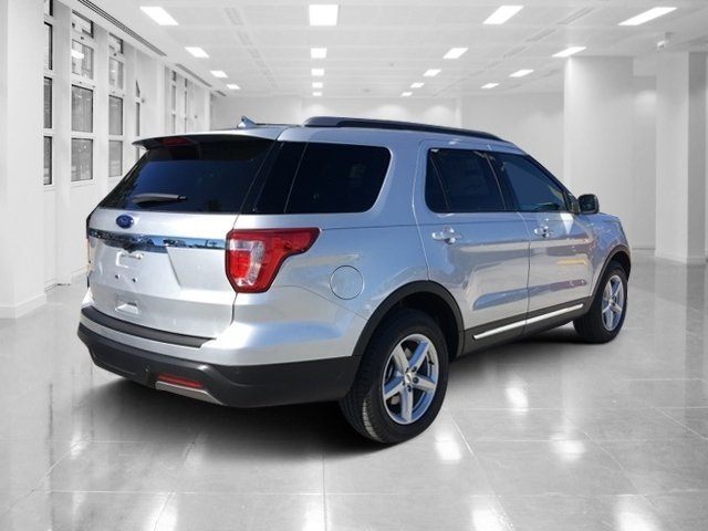 2019 Ingot Silver Metallic Ford Explorer XLT FWD 4 Door Automatic Regular Unleaded V-6 3.5 L/213 Engine