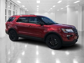 2019 Ruby Red Metallic Tinted Clearcoat Ford Explorer XLT SUV FWD Regular Unleaded V-6 3.5 L/213 Engine 4 Door