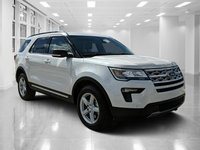 2019 White Platinum Metallic Tri-Coat Ford Explorer XLT Regular Unleaded V-6 3.5 L/213 Engine FWD SUV 4 Door Automatic