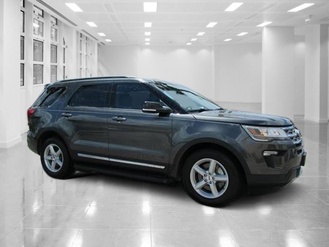 2018 Magnetic Metallic Ford Explorer XLT SUV FWD Automatic 4 Door
