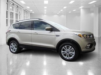 2018 White Gold Metallic Ford Escape SE 4 Door 4X4 Intercooled Turbo Regular Unleaded I-4 1.5 L/91 Engine