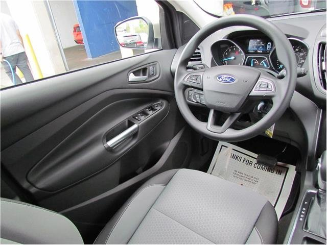 2018 White Gold Metallic Ford Escape SE 4 Door Automatic SUV 4X4
