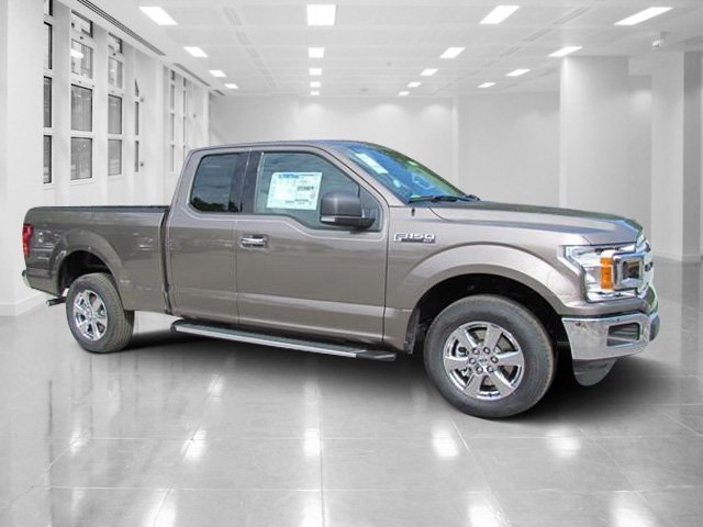 2018 Stone Gray Ford F-150 XLT 4 Door RWD Automatic Truck Regular Unleaded V-8 5.0 L/302 Engine