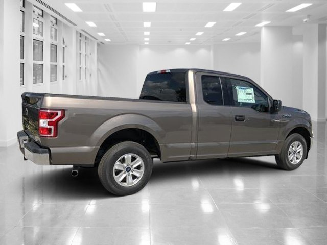 2018 Stone Gray Ford F-150 XLT Twin Turbo Regular Unleaded V-6 2.7 L/164 Engine RWD Truck Automatic 4 Door