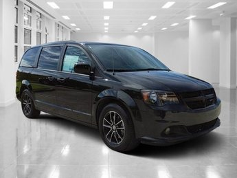 2017 Black Onyx Crystal Pearlcoat Dodge Grand Caravan GT Automatic Regular Unleaded V-6 3.6 L/220 Engine Van 4 Door