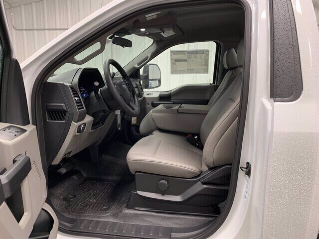 2020 Oxford White Ford Super Duty F-550 DRW XL 4X4 Truck Automatic 2 Door 6.7L V8 Diesel Engine