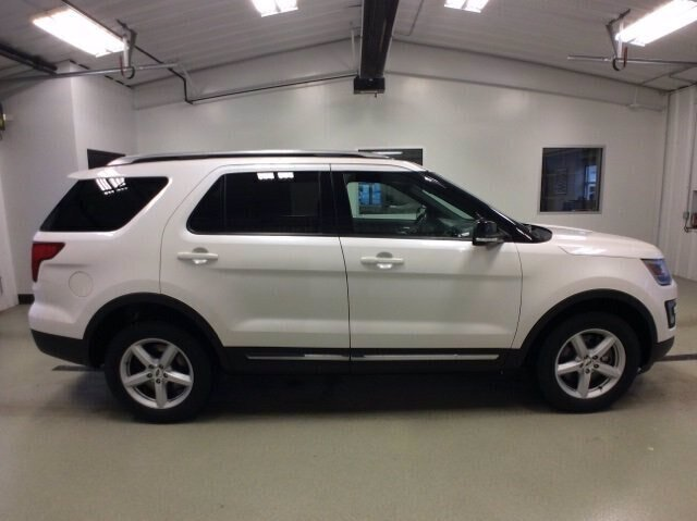 2017 Ford Explorer XLT 4 Door Automatic SUV 3.5L V6 Engine 4X4