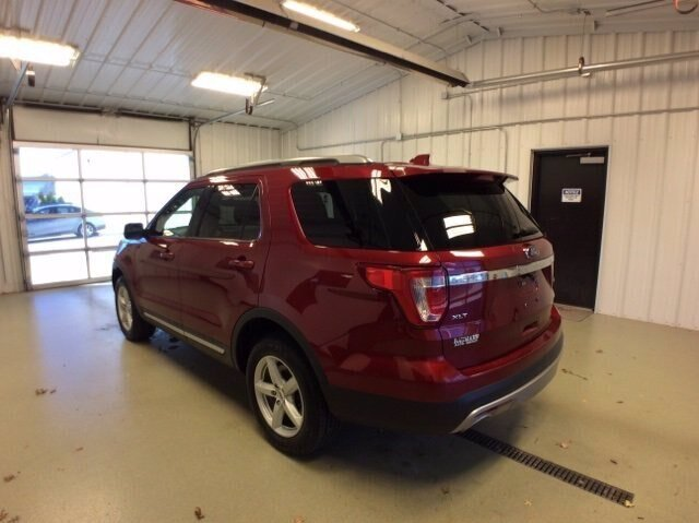 2017 Ruby Red Metallic Tinted Clearcoat Ford Explorer XLT Automatic 4 Door 4X4