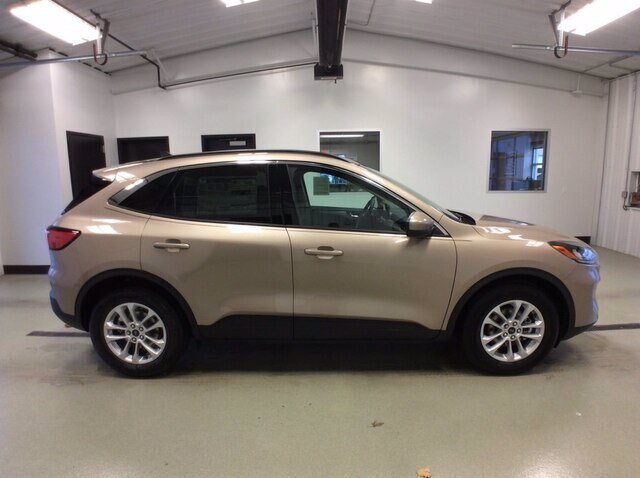 2020 Desert Gold Metallic Ford Escape SE Automatic 4 Door 1.5L EcoBoost Engine FWD SUV