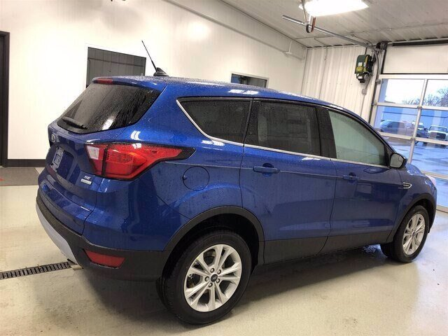 2019 Lightning Blue Metallic Ford Escape SE FWD Automatic 4 Door 1.5L 4 cyls Engine