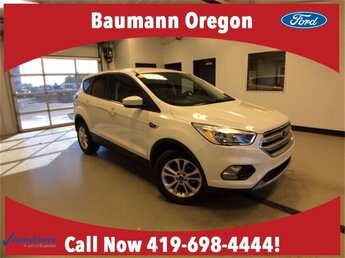 2017 White Platinum Metallic Tri-Coat Ford Escape SE 4 Door SUV 1.5L 4 cyls Engine FWD