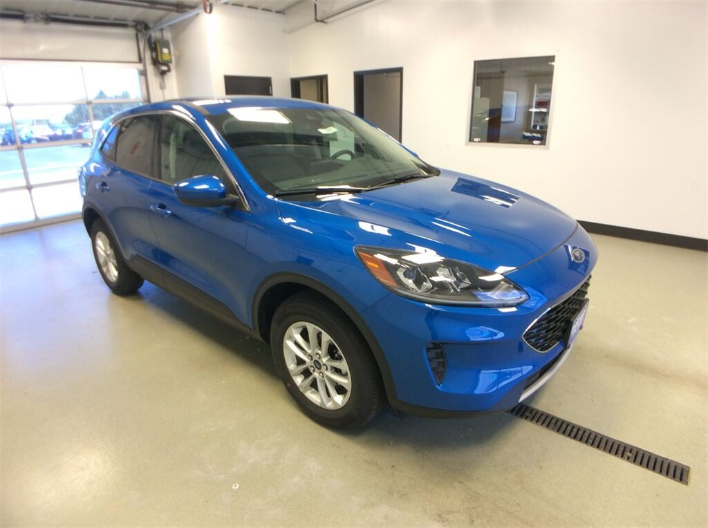 2020 Blue Ford Escape SE 1.5L EcoBoost Engine Automatic SUV 4 Door