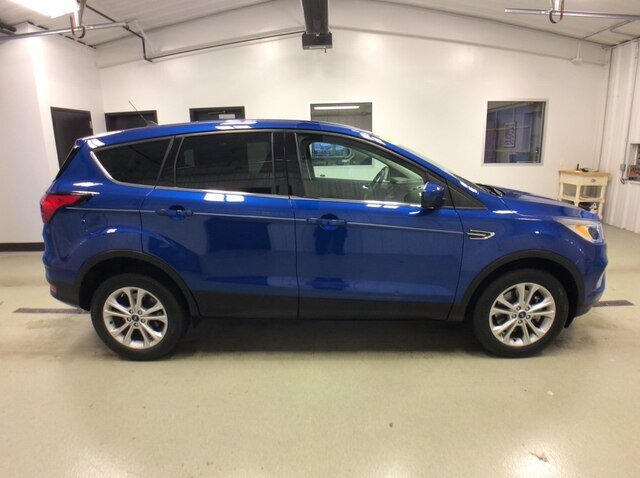 2019 Lightning Blue Metallic Ford Escape SE 1.5L 4 cyls Engine 4 Door 4X4 Automatic