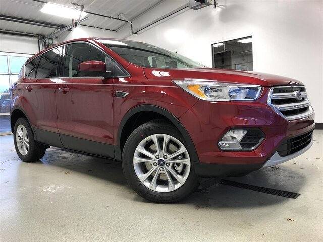 2019 Ruby Red Metallic Tinted Clearcoat Ford Escape SE 4X4 1.5L 4 cyls Engine SUV Automatic 4 Door