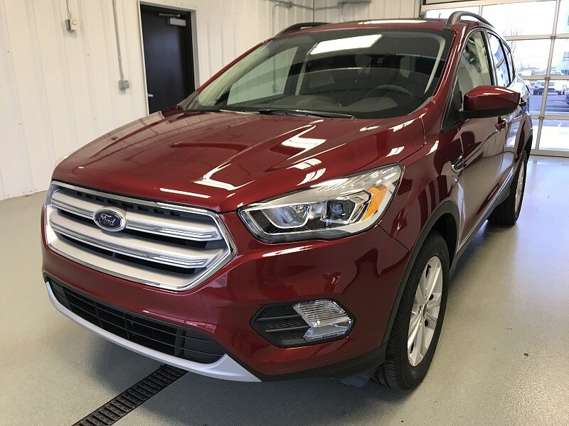 2018 Ruby Red Metallic Tinted Clearcoat Ford Escape SEL SUV Intercooled Turbo Regular Unleaded I-4 1.5 L/91 Engine 4X4