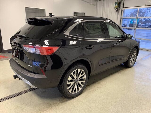 2020 Ford Escape Titanium 4 Door SUV Automatic AWD 2.0L 4 cyls Engine