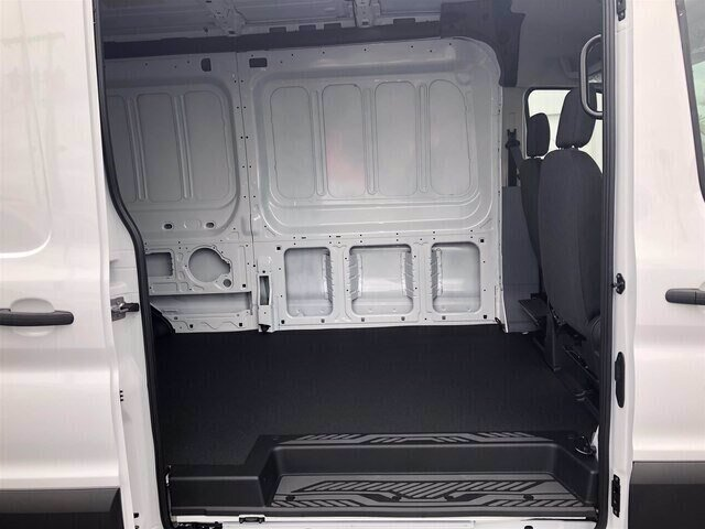 2019 Oxford White Ford Transit-250 Base Automatic Van RWD 3 Door