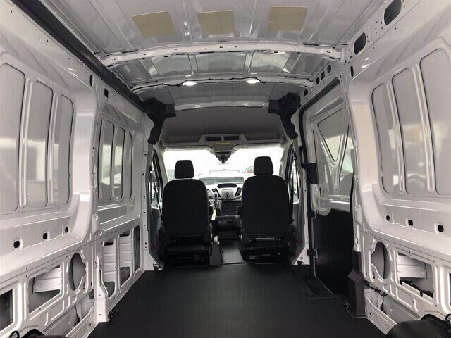 2019 Oxford White Ford Transit-250 Base Automatic 3.7L V6 Engine 3 Door RWD