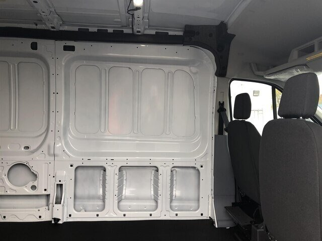 2019 Oxford White Ford Transit-250 w/Sliding Pass-Side Cargo Door Van Automatic 3 Door RWD