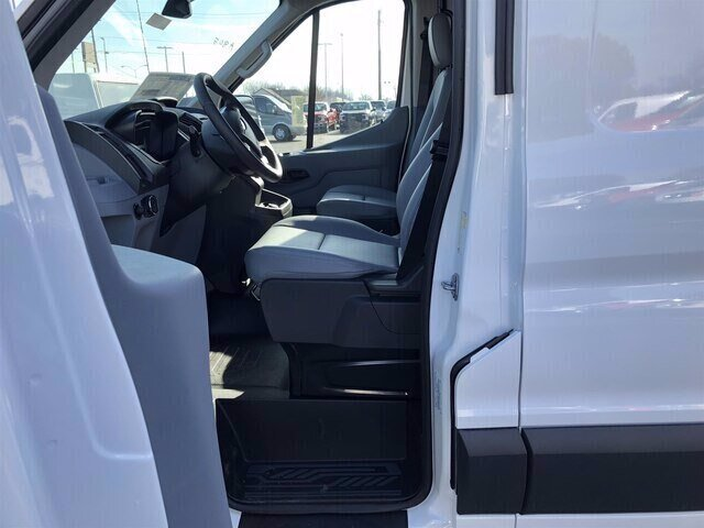 2018 Oxford White Ford Transit-250 Base Van 3 Door Automatic RWD