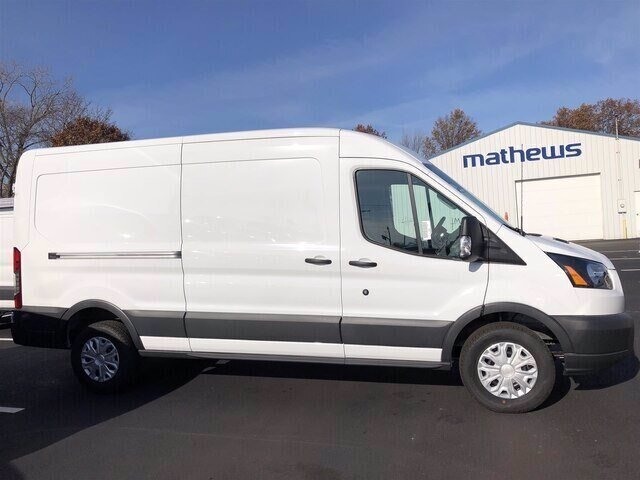 2018 Oxford White Ford Transit-250 Base Van Automatic RWD