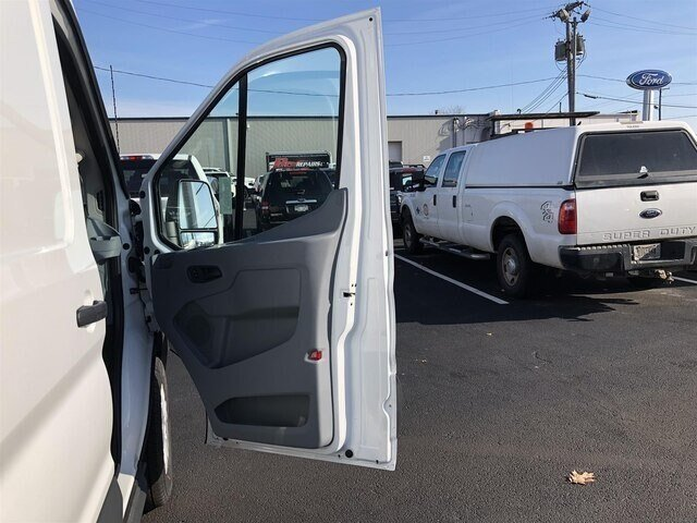 2018 Oxford White Ford Transit-250 w/Sliding Pass-Side Cargo Door 3 Door Van RWD Automatic 3.7L V6 Engine