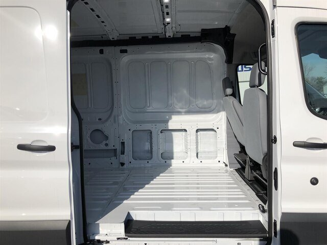 2018 Oxford White Ford Transit-250 w/Sliding Pass-Side Cargo Door Van Automatic 3 Door 3.7L V6 Engine RWD