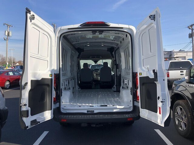 2018 Oxford White Ford Transit-250 w/Sliding Pass-Side Cargo Door 3 Door Automatic Van RWD 3.7L V6 Engine