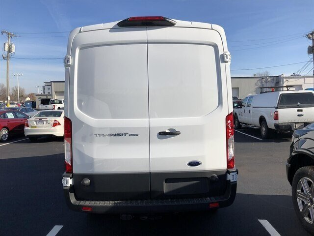2018 Oxford White Ford Transit-250 w/Sliding Pass-Side Cargo Door Van RWD 3 Door