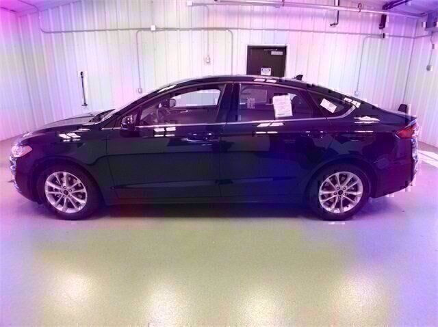 2020 Blue Ford Fusion SE Sedan FWD Automatic