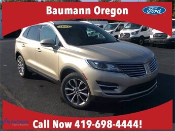 2017 Palladium White Gold Metallic Lincoln MKC Select Automatic SUV 4 Door