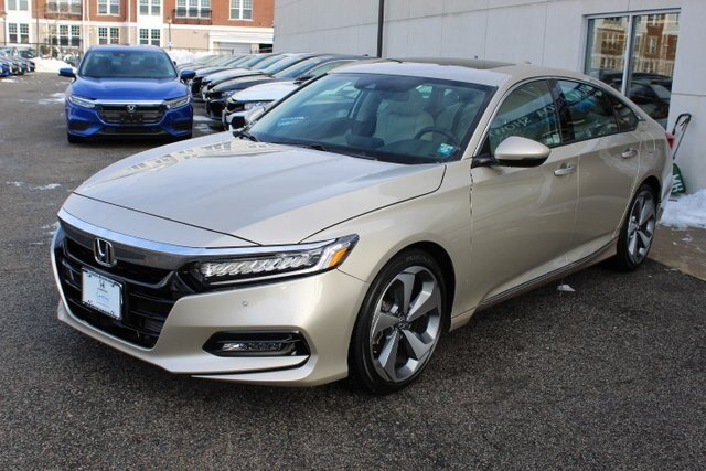 2019 Honda Accord Touring 2.0T Sedan Automatic 4 Door FWD I4 DOHC 16V Turbocharged Engine