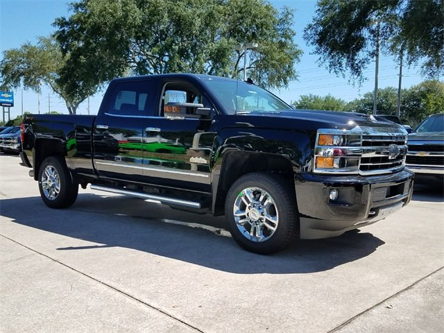 2018 Black Chevy Silverado 2500HD High Country Duramax 6.6L V8 Turbodiesel Engine Truck 4X4 4 Door Automatic