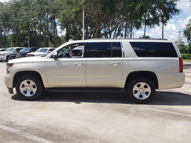 2015 Champagne Silver Metallic Chevrolet Suburban LT, CARFAX CERTIFIED, LEATHER! Automatic RWD V8 Engine