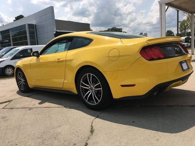 2017 Ford Mustang EcoBoost Premium RWD 2 Door Automatic Coupe EcoBoost 2.3L I4 GTDi DOHC Turbocharged VCT Engine