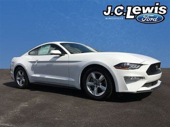 2018 Oxford White Ford Mustang EcoBoost EcoBoost 2.3L I4 GTDi DOHC Turbocharged VCT Engine RWD 2 Door Automatic Coupe