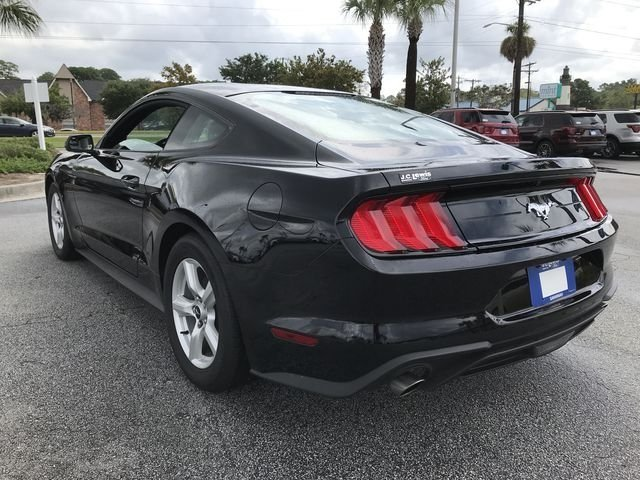 2018 Ford Mustang EcoBoost Automatic EcoBoost 2.3L I4 GTDi DOHC Turbocharged VCT Engine RWD 2 Door Coupe