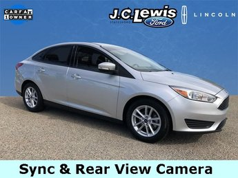 2017 Ingot Silver Metallic Ford Focus SE FWD Sedan 4 Door
