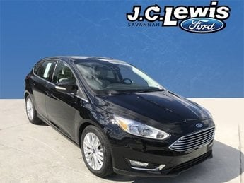2018 Shadow Black Ford Focus Titanium Hatchback Automatic 4 Door