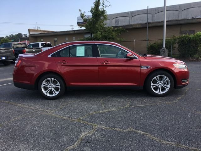 2018 Ruby Red Metallic Tinted Clearcoat Ford Taurus SEL 3.5L V6 Ti-VCT Engine 4 Door FWD