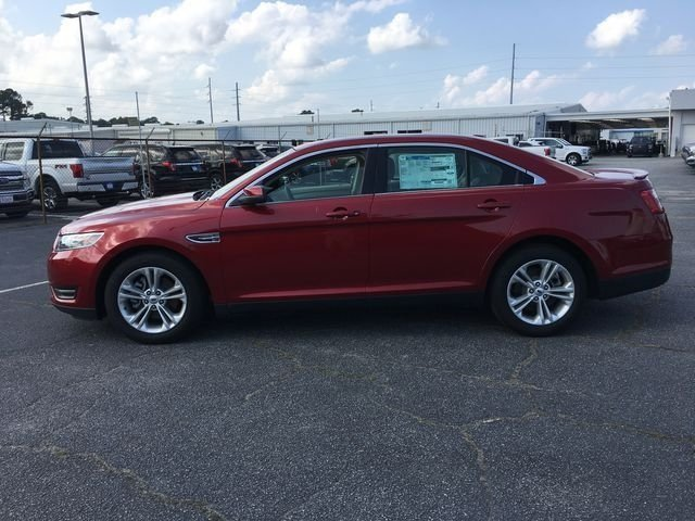 2018 Ruby Red Metallic Tinted Clearcoat Ford Taurus SEL 3.5L V6 Ti-VCT Engine Sedan FWD Automatic