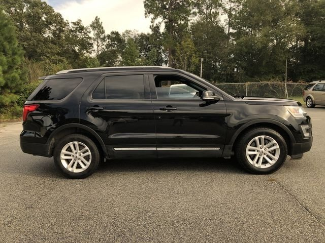 2016 Shadow Black Ford Explorer XLT 3.5L 6-Cylinder SMPI DOHC Engine Automatic 4 Door FWD