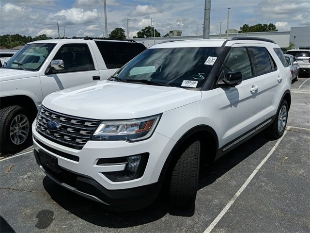 2016 White Ford Explorer XLT FWD 4 Door 3.5L 6-Cylinder SMPI DOHC Engine SUV Automatic