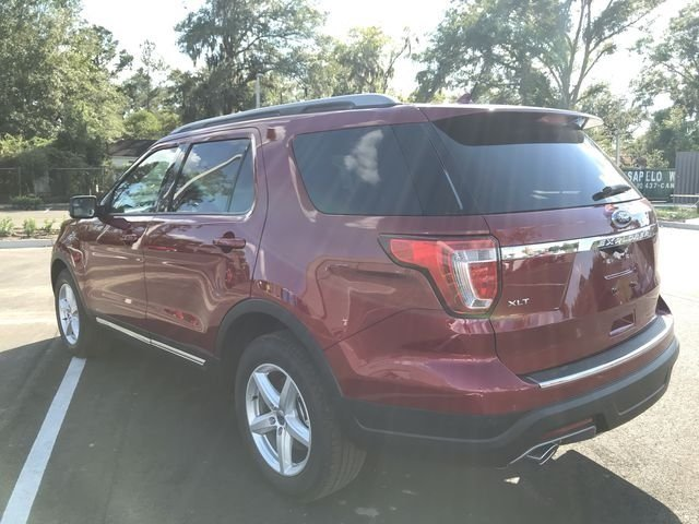 2018 Ruby Red Metallic Tinted Clearcoat Ford Explorer XLT 4 Door Automatic FWD