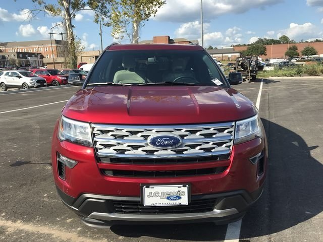 2018 Ruby Red Metallic Tinted Clearcoat Ford Explorer XLT SUV FWD 4 Door