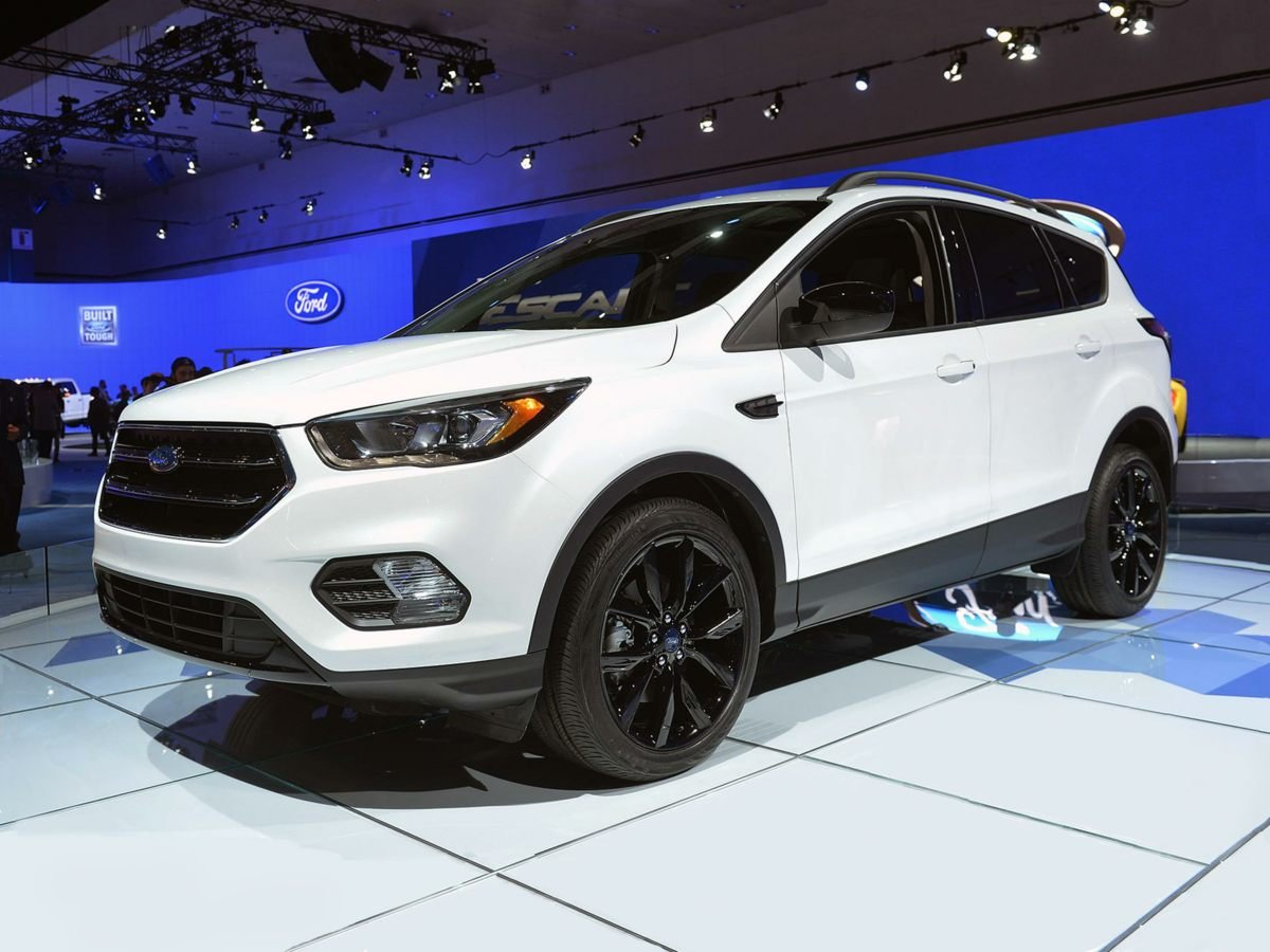 2018 Ford Escape SE EcoBoost 1.5L I4 GTDi DOHC Turbocharged VCT Engine SUV 4 Door Automatic