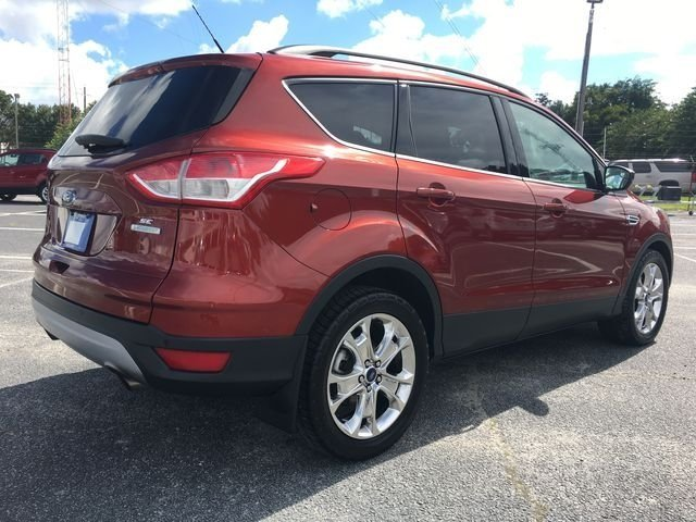 2016 Ruby Red Metallic Tinted Clearcoat Ford Escape SE Automatic SUV 4 Door FWD