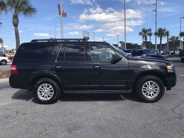 2011 Tuxedo Black Metallic Ford Expedition XLT 5.4L V8 SOHC 24V FFV Engine Automatic RWD SUV